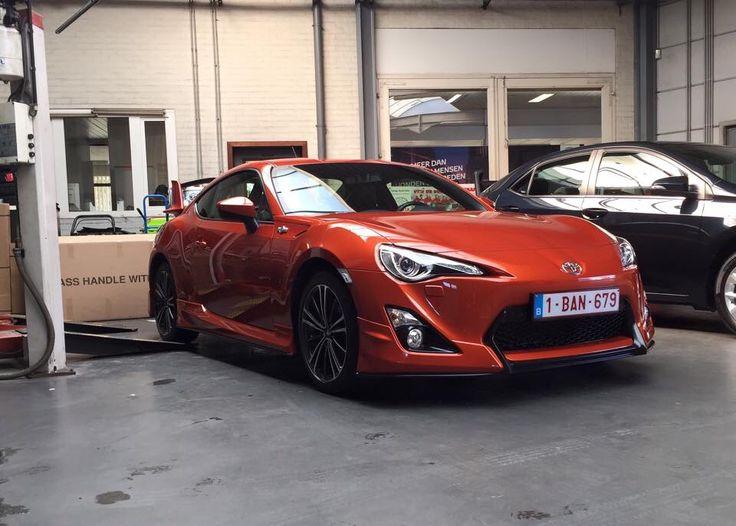 Orange (H8R) Toyota GT86 With Aero Pack