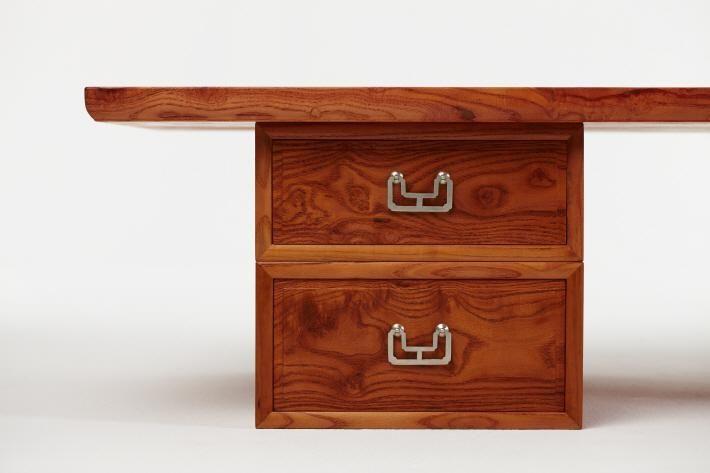 중요무형문화재 제55호 소목장 이수자 설연운, 아티스트 허달재(가죽,오동나무)