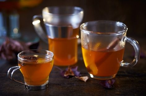 Use our step-by-step guide to make this spectacular Halloween drink – a shrunken apple head cider punch. Find more Halloween recipes at Tesco Real Food.