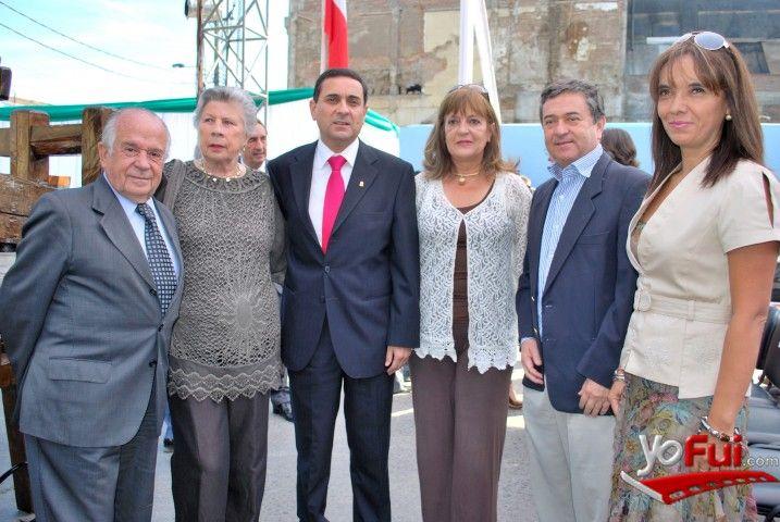 YoFui.com: Andrés Zaldivar, Inés Hurtado, Javier Muñoz, Isabel Margarita Garcés, Juan Antonio Coloma, Patricia Gajardo en Fiesta de la Vendimia de Curicó 2013 , Plaza de Armas , Curicó (Chile)
