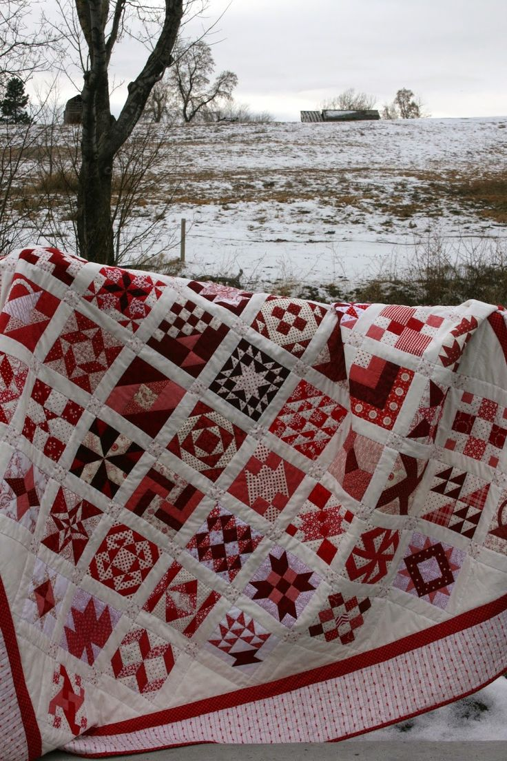 A Little Bit Biased: Red and White Farmer's Wife Finished Quilt + Stats/Fabric Requirements