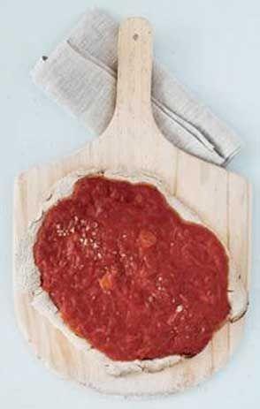 Glutenfri pizza med tomatsovs