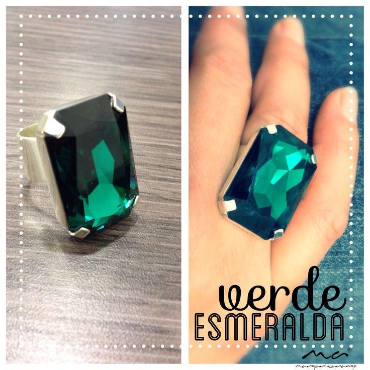 Anillo en plata con cristal de Swarovski verde Esmeralda