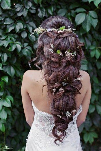 Llong wedding hairstyles and wedding updos from Websalon Weddings 72 - Deer Pearl Flowers / http://www.deerpearlflowers.com/wedding-hairstyle-inspiration/llong-wedding-hairstyles-and-wedding-updos-from-websalon-weddings-72/