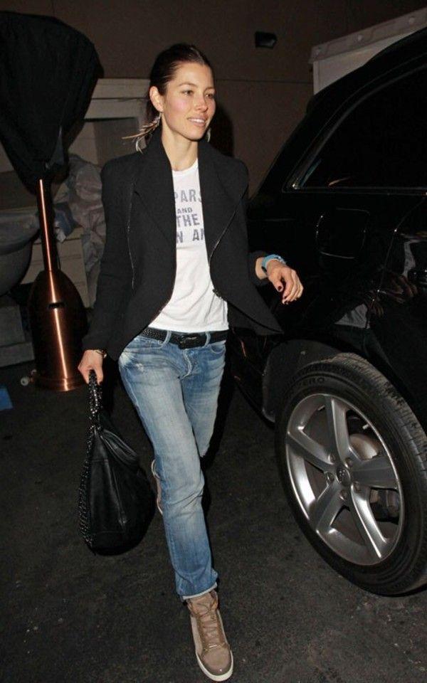 Jeans: jessica biel blue