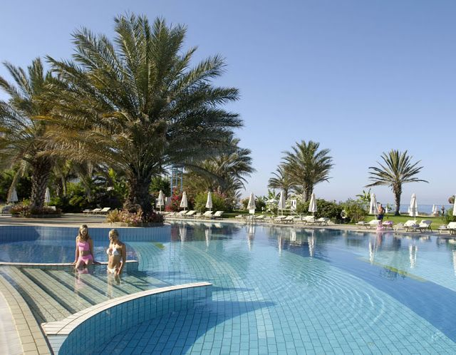 Athena Beach Holidays - Athena Beach Hotels: Athena beach Hotels for Private Suites with a Swim...