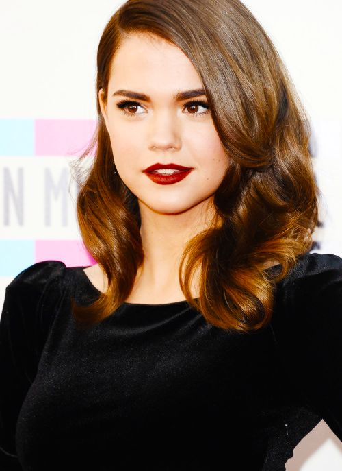 Maia Mitchell on American Music Awards 2013!
