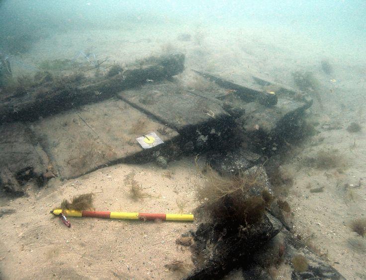 /swash-channel-wreck/Una sección del lado del barco. © Crown copyright, foto tomada por Wessex Archaeology