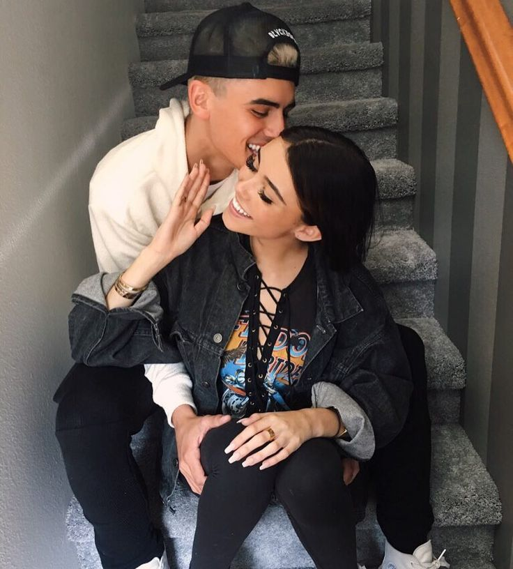 Jack Gilinsky and Madison Beer's relationship was not known to their fans until they made it public in April 2015. They had been dating for almost a year then.