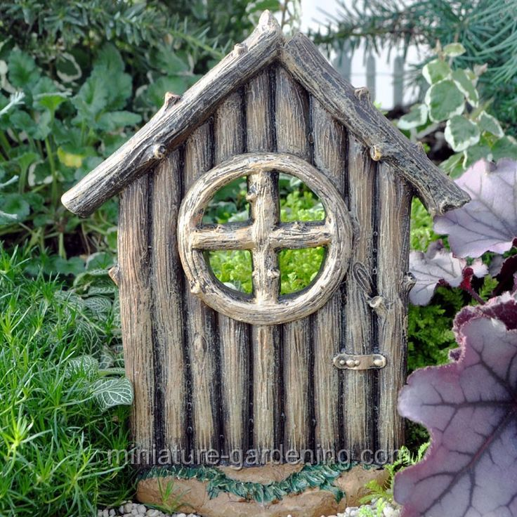1000 images about tree stump decorations on pinterest for Miniature fairy garden doors