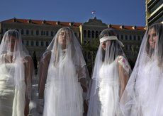 Una victoria para la mujer en el mundo musulmán: en Líbano, un violador ya no podrá reducir su pena casándose con la víctima
