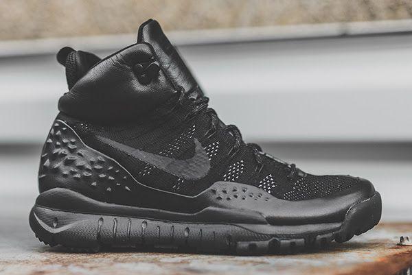 Nike Lupinek Flyknit: Black