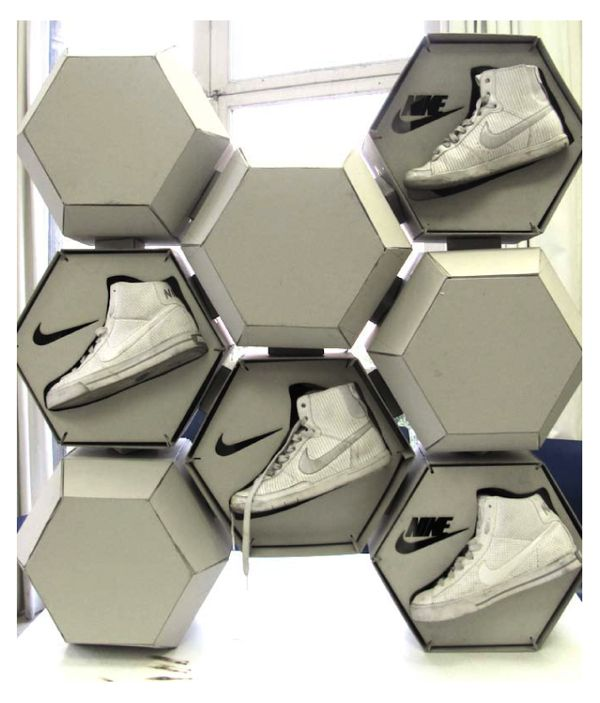 NIKE POP Display Custom Displays.........Footwear Shoes Packaging Design for Inspiration