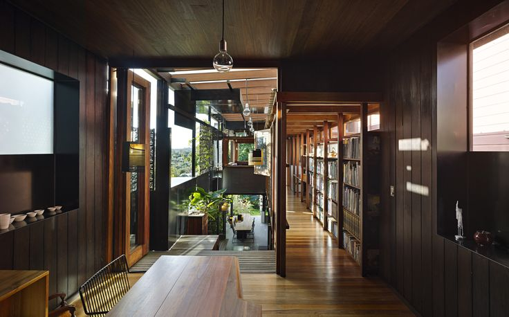 Gallery of The Left-Over-Space House / Cox Rayner Architects - 12