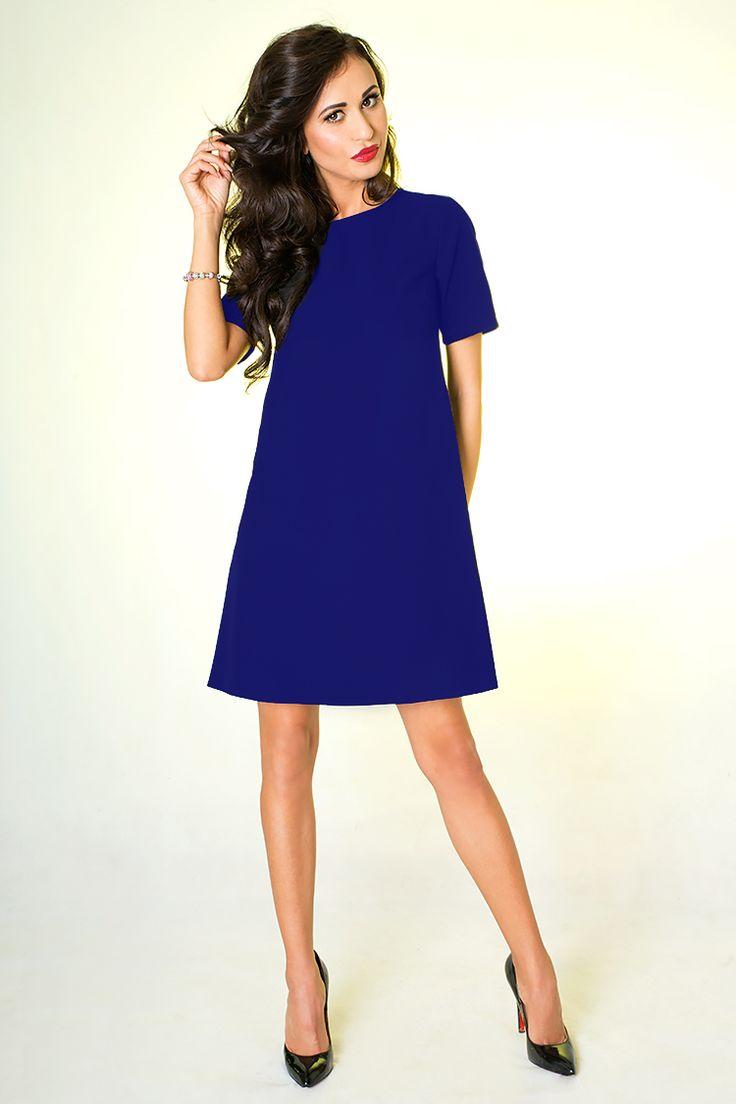 Chabrowa sukienka delikatnie rozkloszowana o trapezowym fasonie