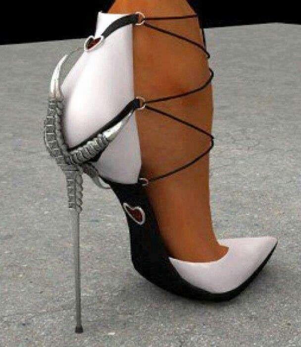 um... interesting shoe... #shoes #ayakkabi #topukluayakkabi #shoe