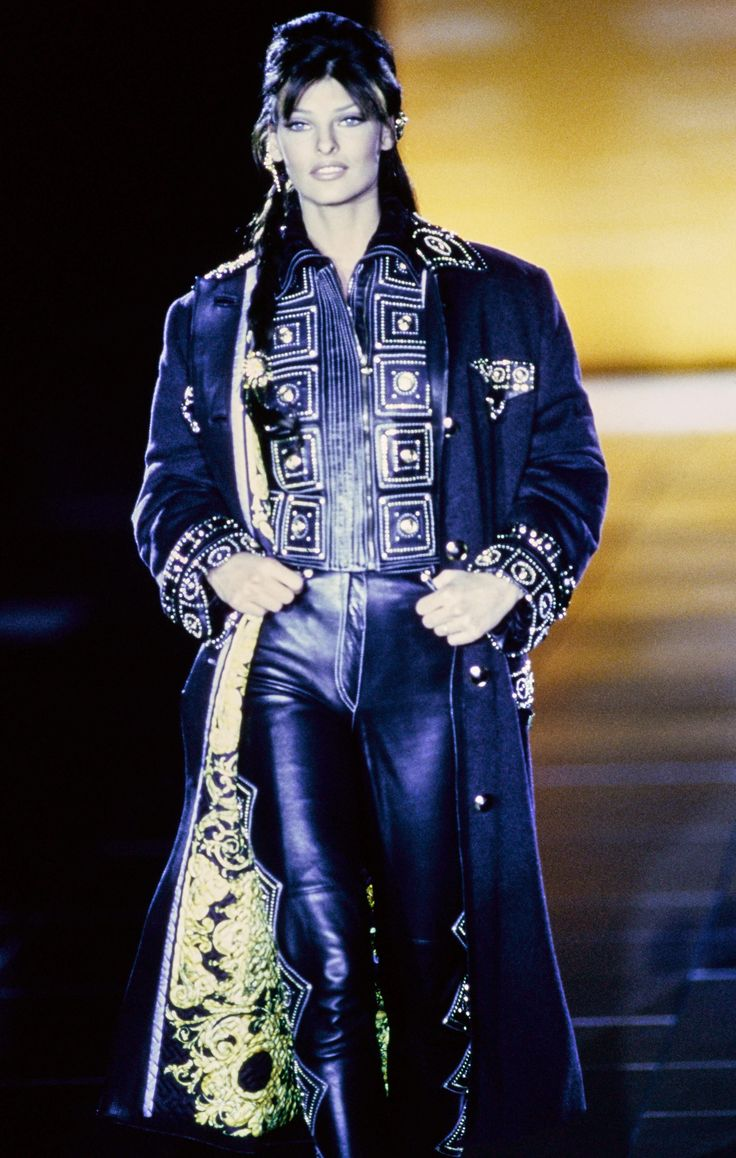 134 best Versace RTW f/w 1992 images on Pinterest | Gianni ...