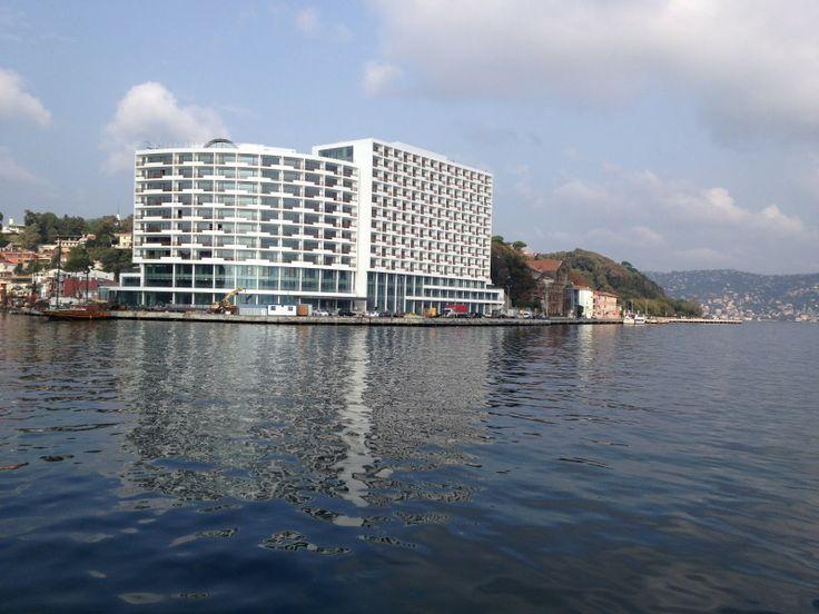 Tarabya otelinin deniz üstünden görüntüsü.. Birbirinden güzel ve özel boğaz fotoğraflarını görmek için http://www.teknededugun.com sitesine giriş yapabilirsiniz.