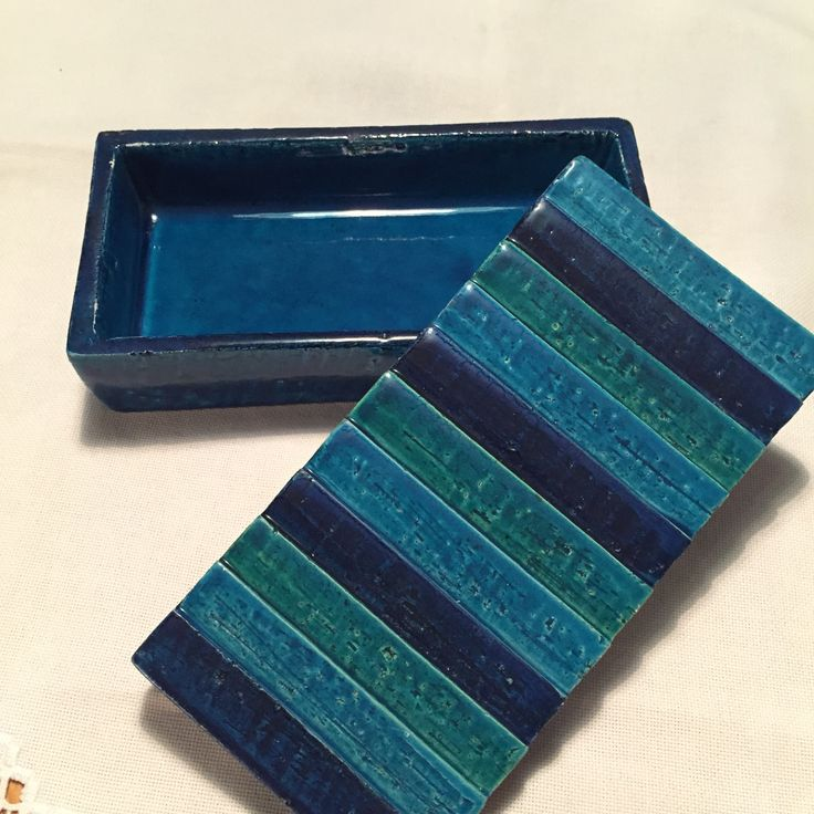 Vintage Bitossi box. Mid-Century Italian Ceramics. Aldo Londi.