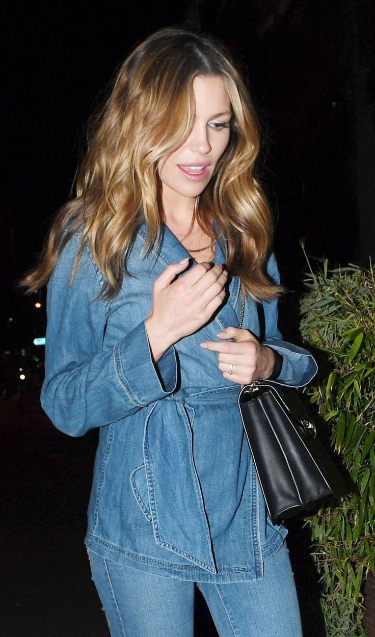 #AbbeyClancy, #London Abbey Clancy in All Jean Ensemble at the Half Moon Pub in London – 04/07/2017 | Celebrity Uncensored! Read more: http://celxxx.com/2017/04/abbey-clancy-in-all-jean-ensemble-at-the-half-moon-pub-in-london-04072017/