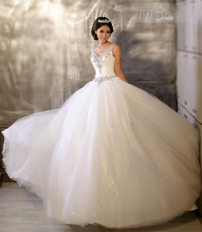 Diamond Wedding Gown: 25+ Best Ideas About Diamond Wedding Dress On Pinterest