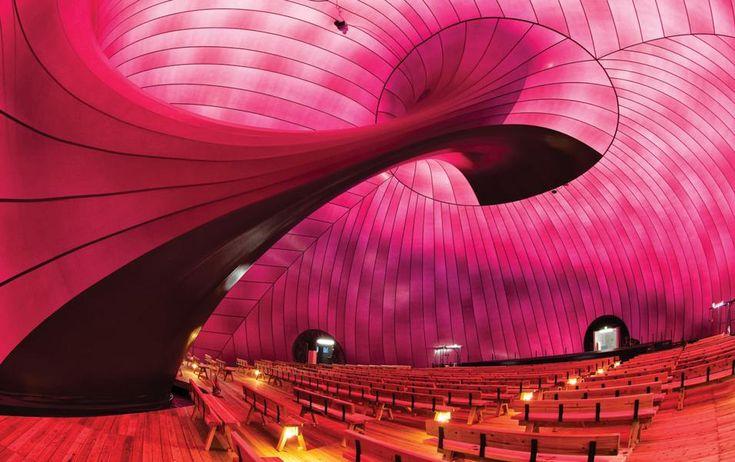 """100 edifici spettacolari. """"L'architettura può vorticare?"""" Sala da concerto gonfiabile e mobile Ark Nova di Arata Isozaki e Anish Kapoor."""
