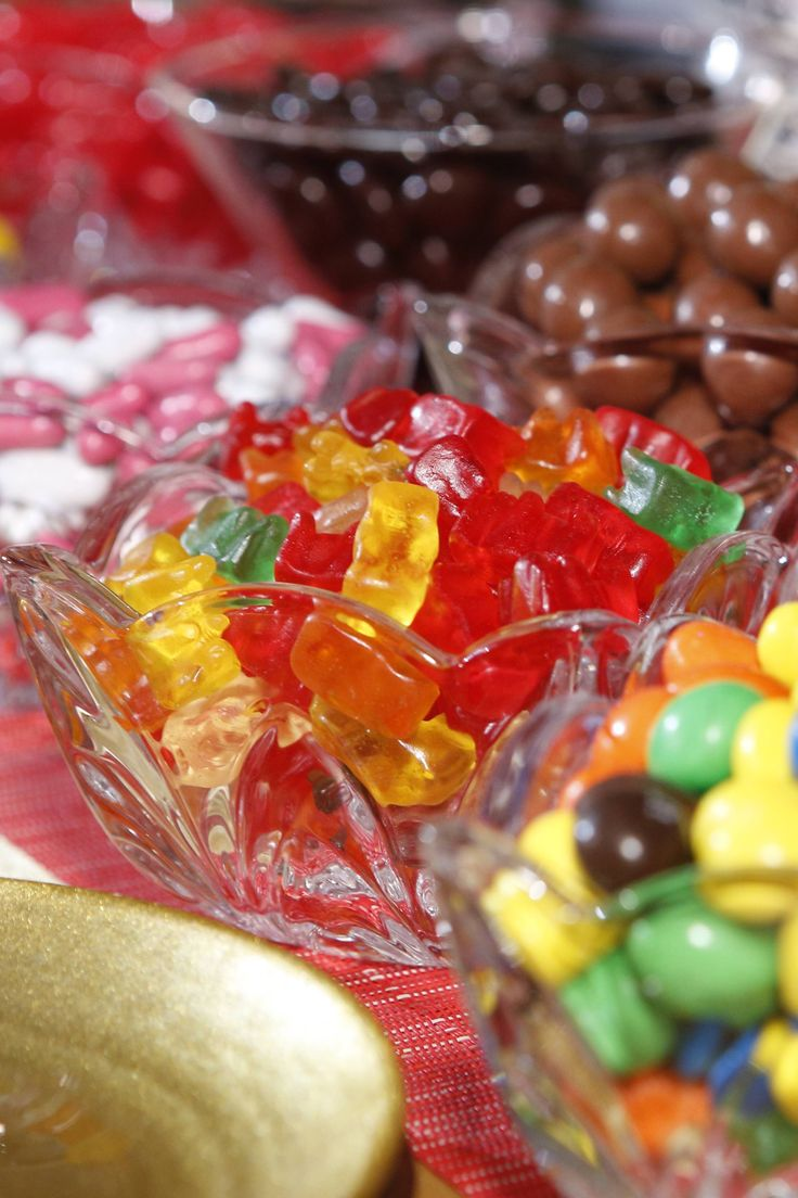 Who doesn't love candy? Setup a candy bar for your guests to enjoy a sweet treat while watching the show!