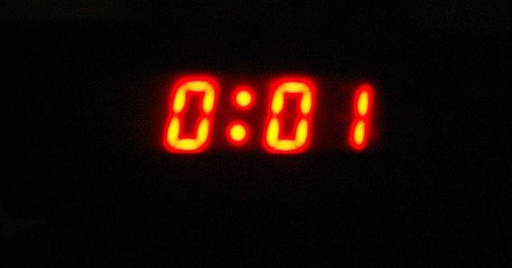 Cómo crear tu propio temporizador de cuenta regresiva. El gran evento es en unos días, semanas, meses o tal vez más de un año, sin embargo, no puedes esperar. Días de fiesta, bodas, vacaciones, fechas de un bebé y eventos especiales son sólo algunas de las razones para crear tu propio temporizador de cuenta regresiva. Uno de esos programas que te permite hacer un temporizador de cuenta regresiva es ...