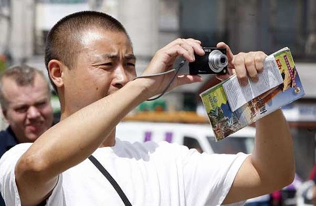 Los turistas chinos son ya los que más gastan del mundo en viajes. http://www.eleconomista.es/interstitial/volver/securitasjun13/turismo-viajes/noticias/5082564/08/13/los-turistas-chinos-son-ya-los-que-mas-gastan-del-mundo-en-viajes-internacionales.html