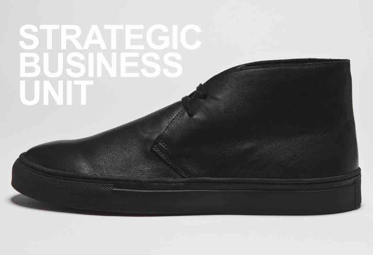 (SBU) STRATEGIC BUSINESS UNIT leather desert boots. made in italy.