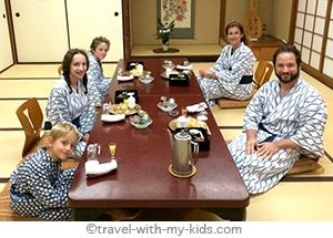 Let's go to Tokyo with kids! Hotels, restaurants, activities, tips: a family-friendly survival guide in a fascinating and hectic city!