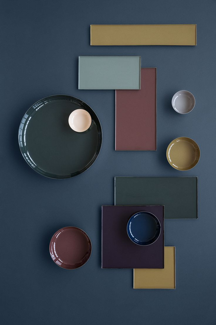 This shows asymmetrical balance. There are different pieces of different sizes and shape and color but is still arranged in a way that is balanced. #RUDesign