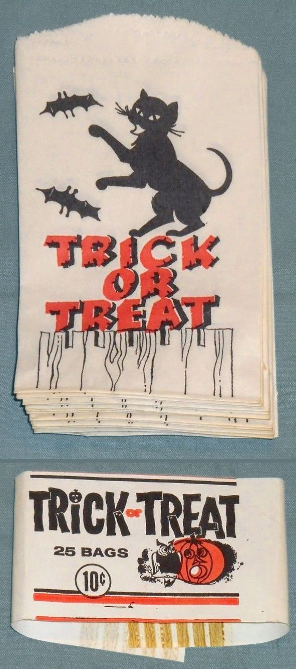 25 TRICK OR TREAT paper bags with original band,  black cat on fence with bats ($25.11) 2017 #vintage #Halloween #collectibles #ephemera