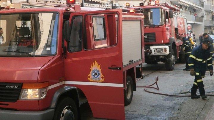 Πυρκαγιά σε διαμέρισμα στο Μοσχάτο - Πληροφορίες για εγκλωβισμένη ένοικο - ΤΩΡΑ