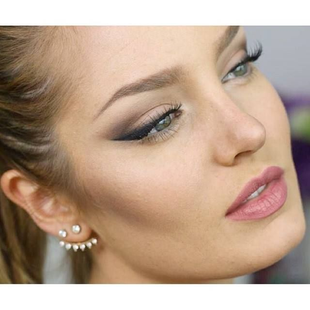 Perfect wings #chloemorello #chloemorellomakeup