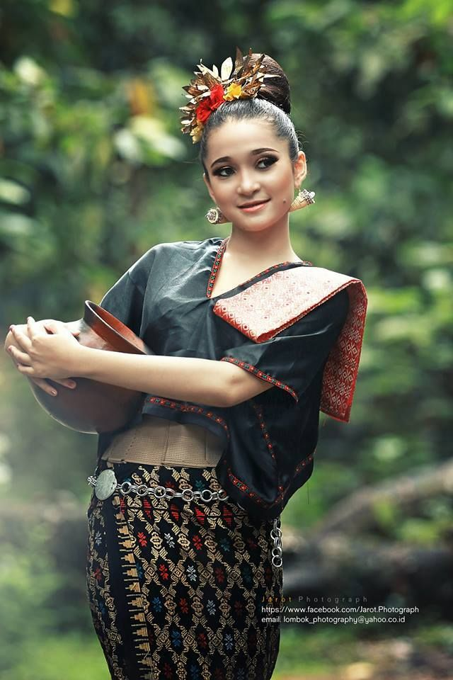 Lombok- Pretty Sasak girl | http://resep.masakan.co | http://masakan.co…