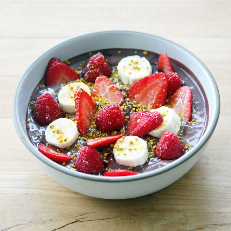 And the Smoothie Ran Way With the Spoon: Acai Bowl With Berries and Banana Recipe | POPSUGAR Food