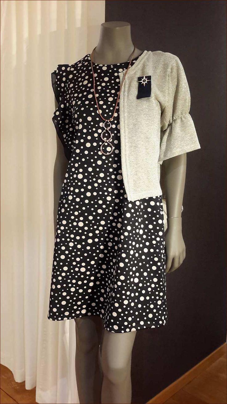 RINASCIMENTO: Voor dames met een passie voor mooie dingen. Glamoureuze en kwalitatieve Italiaanse kleding voor dames met stijl.