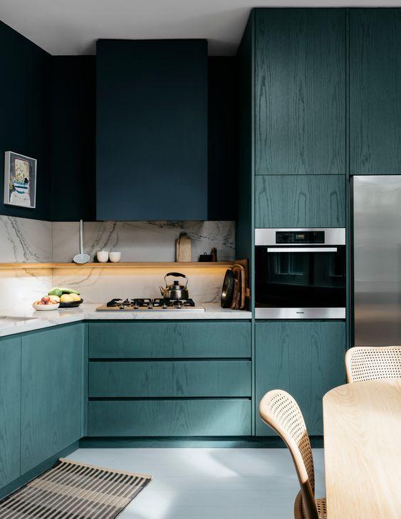 cucina verde | kuhinja idea | Best kitchen cabinets, Green ...