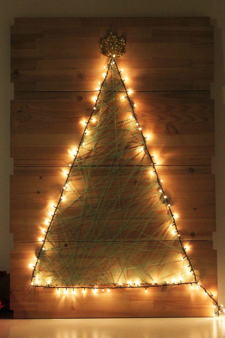 """Ormai siamo in piena atmosfera natalizia ed eccoci così ad un nuovo """"DIY: Come realizzare un Albero di Natale da appendere""""! Basta utilizzare delle vecchie mensole, chiodini e tanta lana! Vi regalerà un'atmosfera natalizia indimenticabile! Per il video e foto clicca qui: http://www.ravedoll.com/blog/diy-natalizio-come-realizzare-un-albero-di-natale-da-appendere-n159 #diy #howto #diynatalizi #comerealizzareunalberodinatale #christmastree #comefareunalberodinatale #nataleconnoi…"""