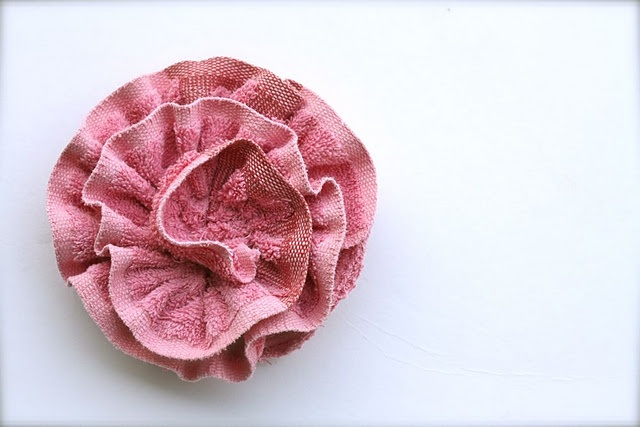 How to make a rose shaped loofah out of an old washcloth!