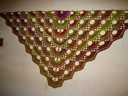 Scalloped Triangle Shawl Crochet Pattern : Scalloped Triangle Shawl (Crochet) Photo Tutorial ...