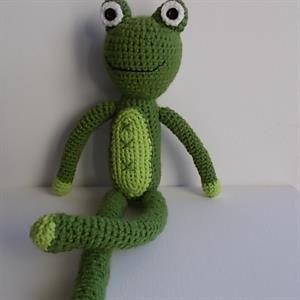 Πλεκτή κούκλα βάτραχος! http://www.shopigen.com/kouklomania