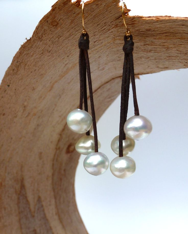 Australian white pearls earrings for woman leather - gold-filled (250.00 EUR) by PerlaMundi