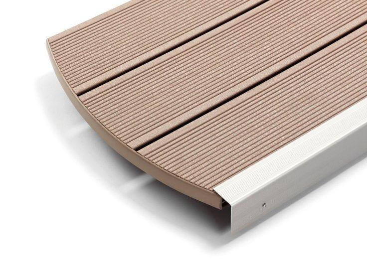 Deck Lemn Plastic de culoare maro, este un deck realizat dintr-un compozit lemn-plastic-rumegus ce reuseste sa satisfaca toate cerintele dumneavoastra atunci cand vine vorba de formarea unei terase de exterior sau pentru formarea unui ambient pentru piscina dumneavoastra.