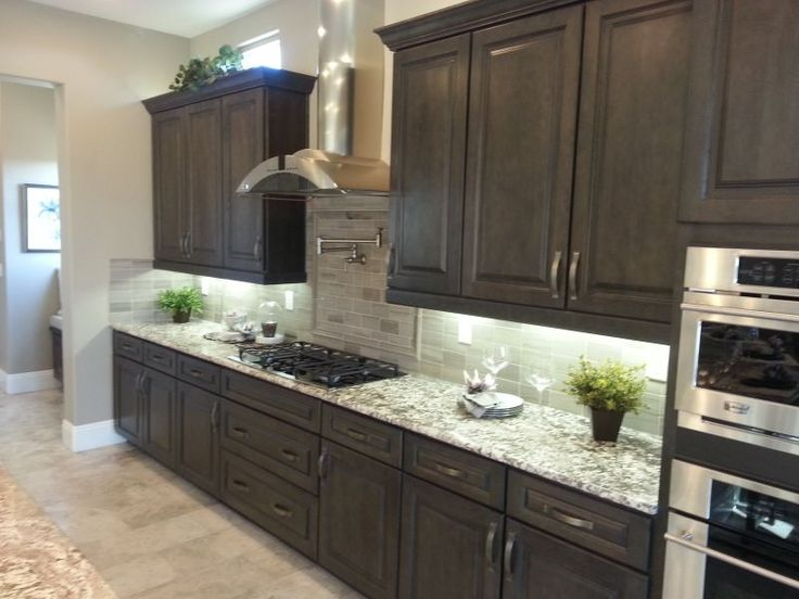 Tips on Remodeling Your Kitchen Right - Bringing in the best professionals can be an excellent way to go about the process of remodeling your kitchen. While you want to trust what the experts have to say, it also can be a good idea to inform yourself on a few topics.