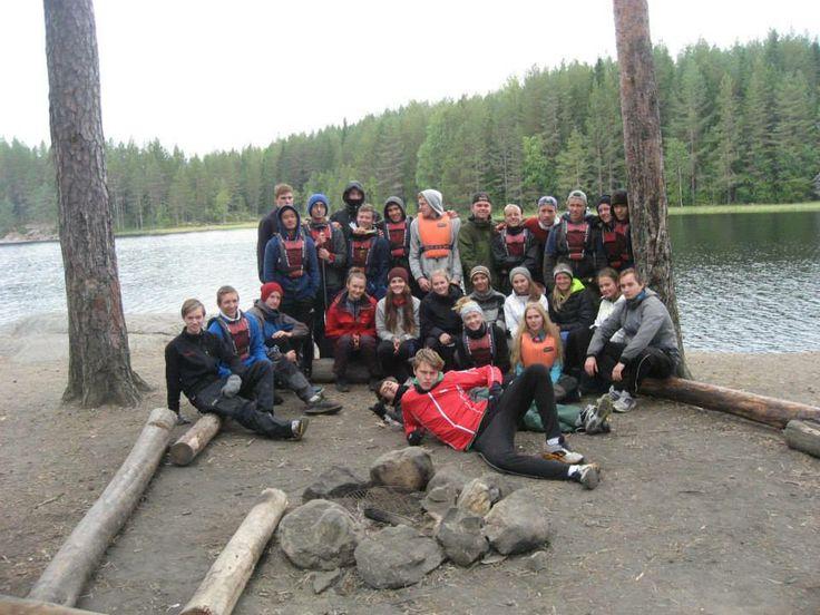 VG2 idrett på kanotur til Fjorda