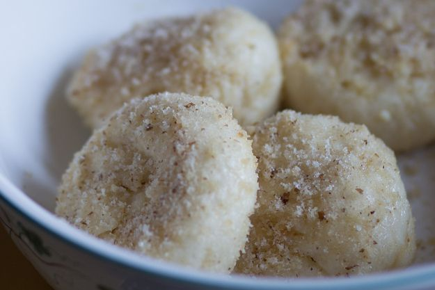Túrógombóc (sweet cheese dumplings) | 33 Hungarian Foods The Whole World Should Know And Love