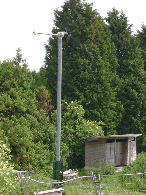 Homemade wind turbine basics for home owners. How to get started if you're thinking of making your own wind power at home. http://netzeroguide.com/homemade-wind-turbine.html Earthship's Wind Turbine