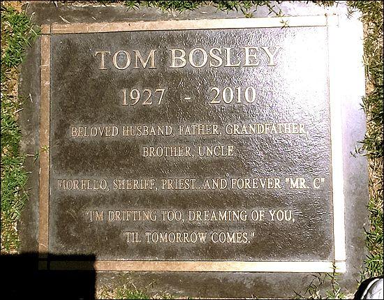 Tom Bosley's grave (photo)